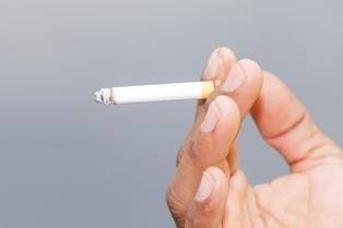 Test DNA na ojcostwo z niedopałka papierosa